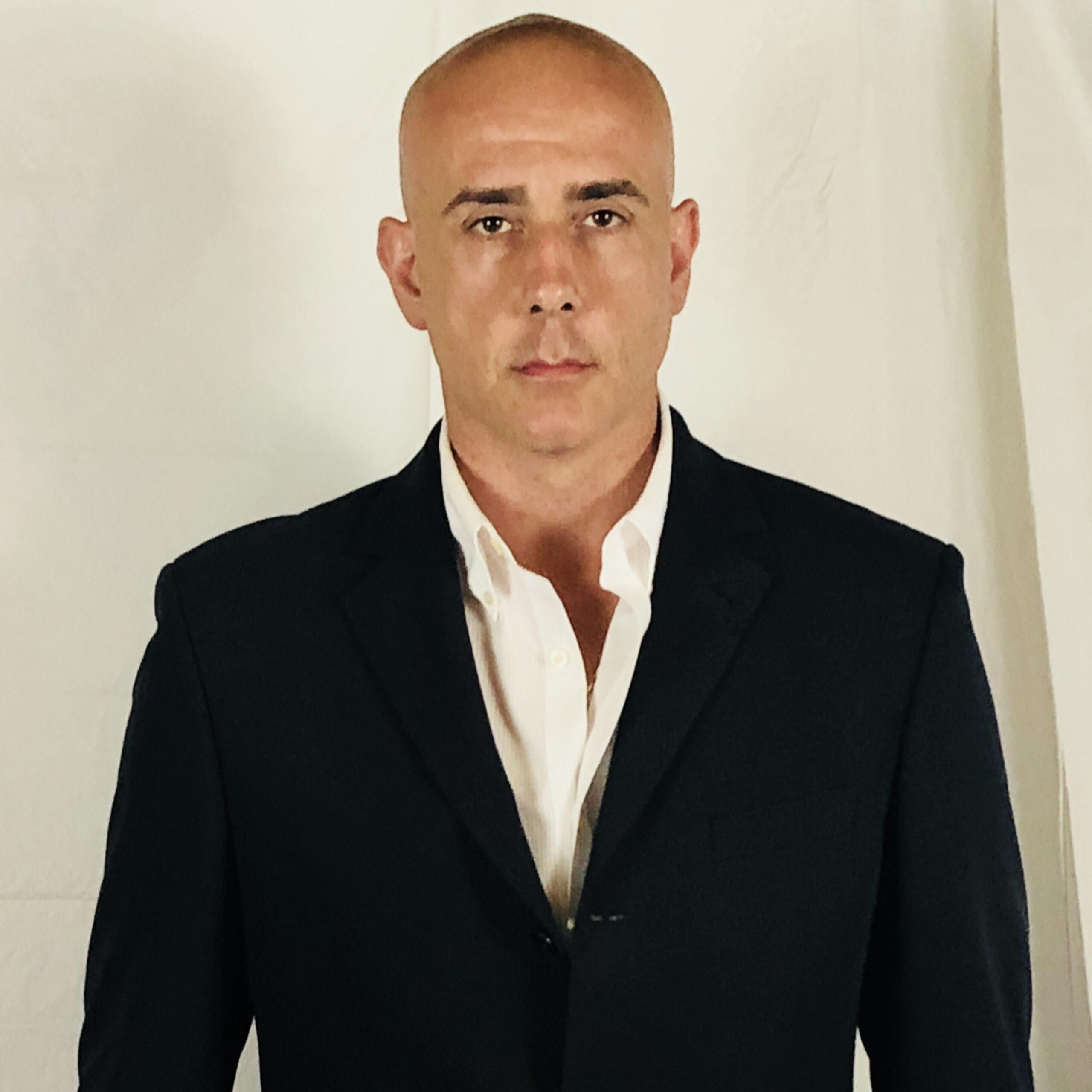 53-Famous stunt man Alessandro Folchito